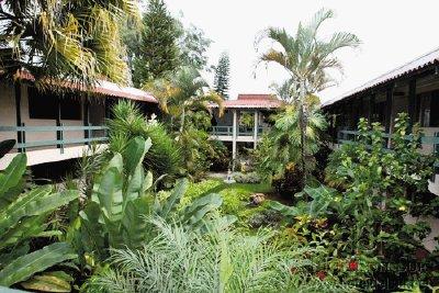 Habitaciones desde 35 en hoteles de monta a nacionales for Hotel familiar montana