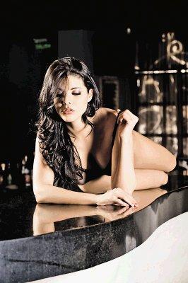 El Primer Topless Cortes A Revista Soho Rodrigo Montoya