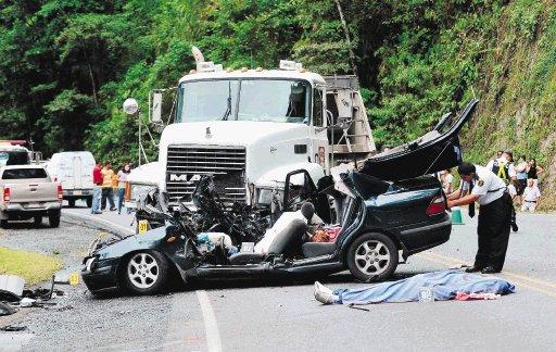 Accidente en El Salvador: 1 muerto y 3 heridos