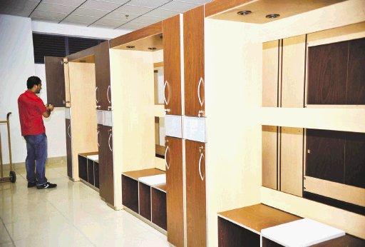 Lujosos lockers adornan los camerinos seis en total for Muebles de oficina lujosos